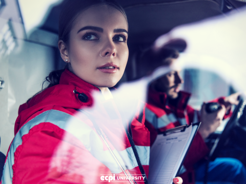 What are the Benefits of Becoming a Paramedic?