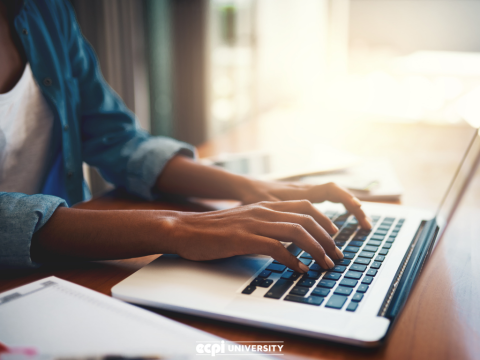 Why Online Learning is Good For Students
